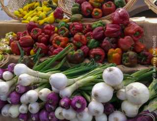 Farmers_Market_Fresh_Vegetables_-_20131003_164424.jpg